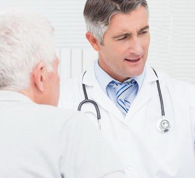 Urologas su pacientu