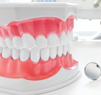 VIsų dantų atstatymas